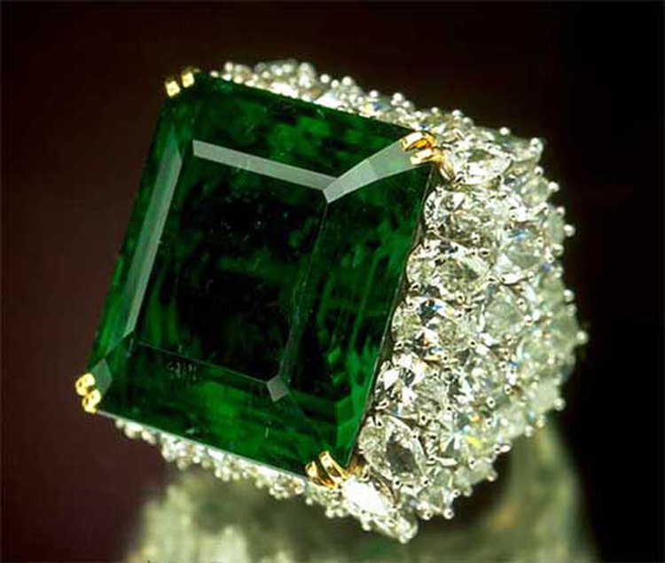 37.8-Carat 'Chalk Emerald' Is One of the World's Finest Examples of May's Official Birthstone